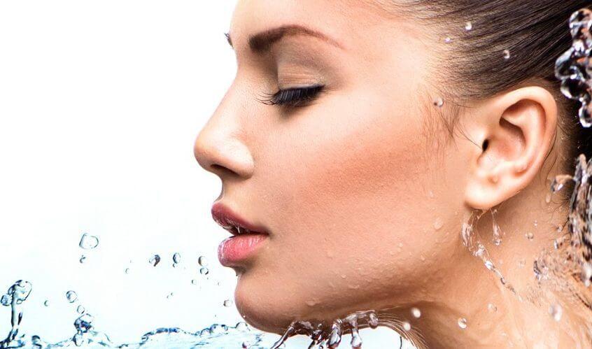 Хидратиране на кожата на лицето-ключът към красотата!