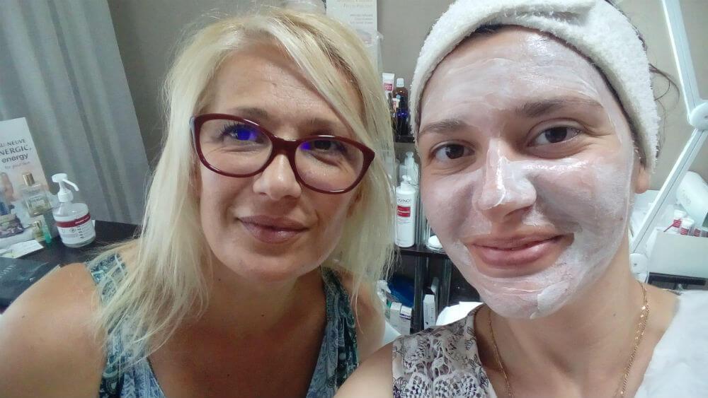 Почистване на лице при акне в HR Shine Бургас