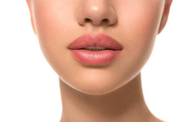 Невероятен ефект от безиглена терапия за уголемяване на устни чрез безиглен хиалурон за устни