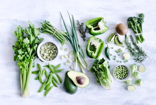 Храната-ключов фактор в грижата за кожата