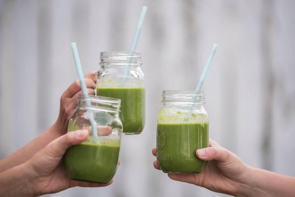 Напитки, важни за грижата за кожата